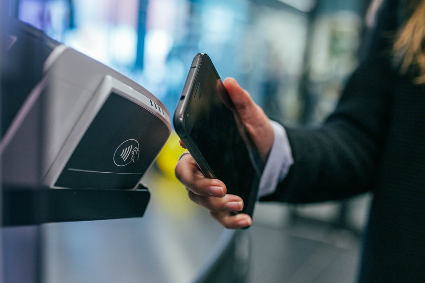 How Businesses Should Adjust as the World Goes Cashless